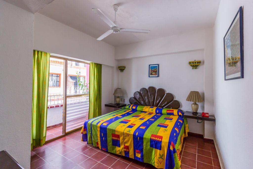 Habitación Jr Suite Hotel Suites Plaza del Río Puerto Vallarta económico