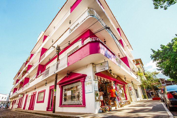 Hotel-Familiar-Economico-Suite-Plaza-del-Rio-Centro-Puerto-Vallarta